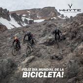 ¡Hoy celebramos el deporte que tanto queremos y que tanto nos ha entregado; el que tantas alegrías, experiencias y amigos nos ha regalado, el que nos une y por el que vivimos cada día... ¡Feliz día mundial de la bicicleta les envía toda la familia de @whytechile #WhyteFamily @bikingchile 👏🏻 esperamos que lo hayan celebrado como se sabe, sobre la bicicleta!  . 📸 @cristobalzelaya.ph